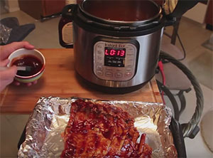 Fall-off-the-bone BBQ Ribs from the Instant Pot Pressure Cooker