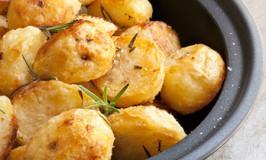 Garlic Steam Roast Potatoes
